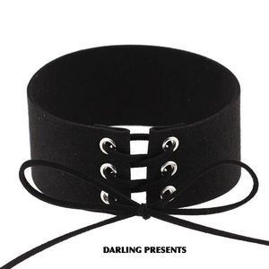 BLACK LACE UP SUEDE CHOKER